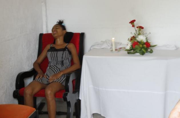 Yirly Ortega, mamá de bebé que se ahogó en tanque, en Tierrabaja.