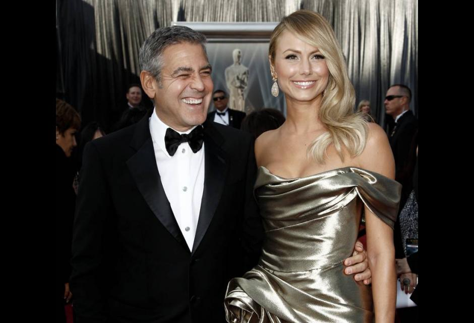 George Clooney y Stacy Keibler.